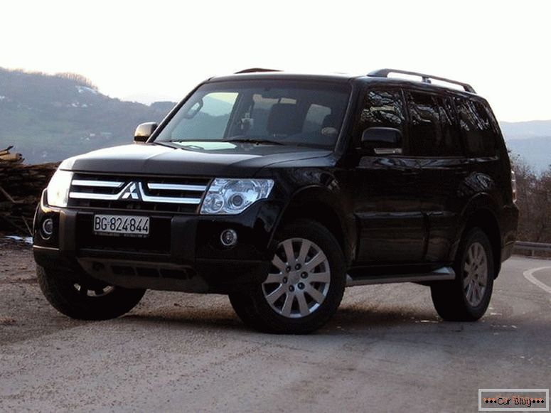 Specifiche Mitsubishi Pajero